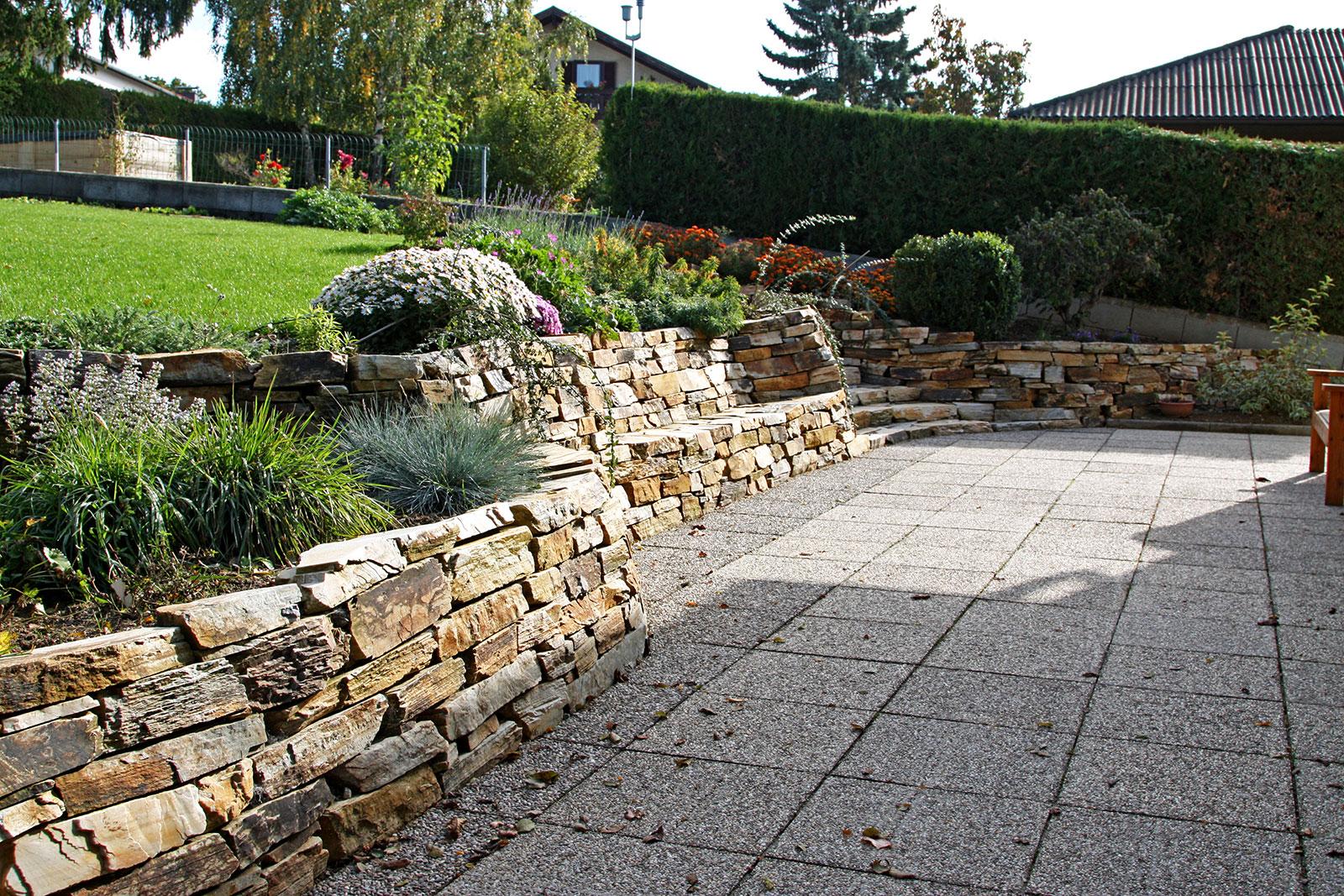 Natursteinmauer IV – Gartengestaltung Hertl